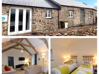 Luxury Cottage, Rural Views, Log Burner & Hot Tub, Ludchurch