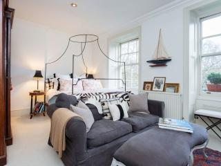 A sweet studio apartment in the heart of Chelsea., Londres