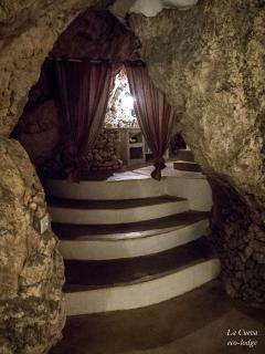 'La Cueva' - the big bathroom - integrated in the cave