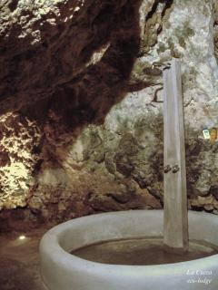'La Cueva' - the big bathroom - integrated in the cave - rainshower.