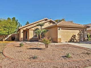 Ideally Located 4BR Gilbert House w/Private Patio