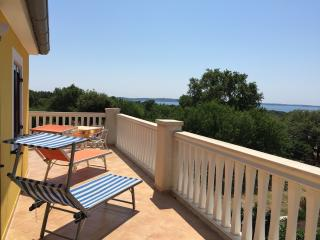 Amazing boutique flat with large sea-view terrace, Peroj