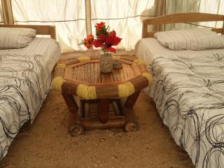 tent 2 beds direct on the beach and amazing view negros island