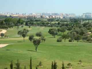 Luxury 2 bed en-suite south facing & Golf view, Vilamoura
