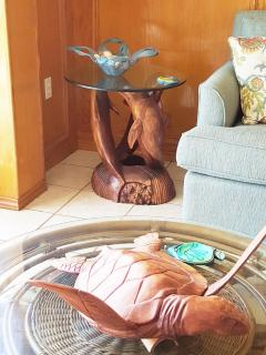 Hand carved coffee tables from Indonesia