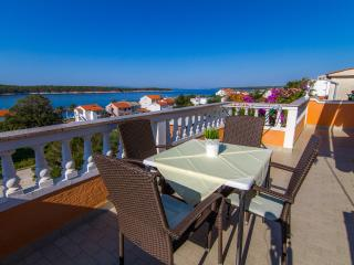 Apartment Angel 1 with Sea View, Rab Island