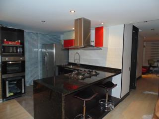 Excellent apartment north of Bogota near Park