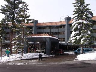 Chalet at The Tahoe Seasons Resort across from Ski, South Lake Tahoe