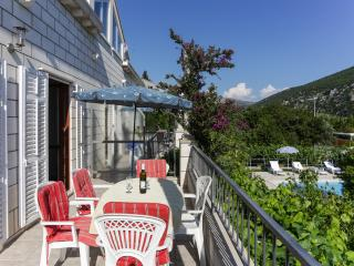 Villa Celenca - Two Bedroom Apartment with Balcony and Sea View - A3, Mokosica