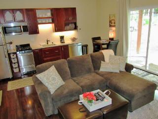NEW Private 5-star Apt Location! W/D. WiFi. Cable, Anchorage