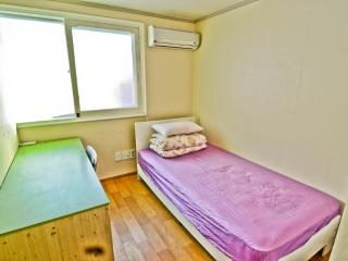 Kimchee Hongdae Guesthouse - Single Private Room - 8