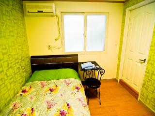 Kimchee Hongdae Guesthouse - Double Private Room - 1