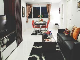 PP PLUS MANSION (2 BEDROOM APARTMENT- 70 Sq.M) - 3, Bangkok