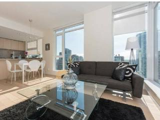 Luxury 3 Bedroom Condo in Vancouver City Centre