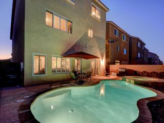 5 MINS TO LAS VEGAS STRIP!! New 3-Story, 4 Bedroom Home w/Pool & Spa.