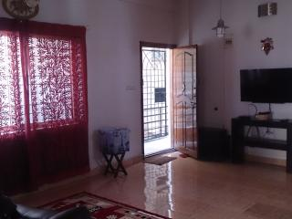 Tastefully decorated fully furnished apartment