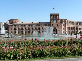 3BD apt at republic square- City Center, Yerevan