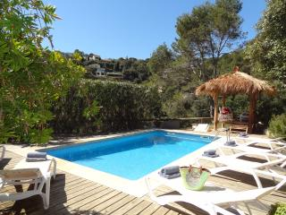 Spacious villa, sea views, private pool, sleeps 10, Begur