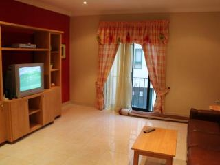 3 Bedroom Apartment A/C & Wifi, Bugibba
