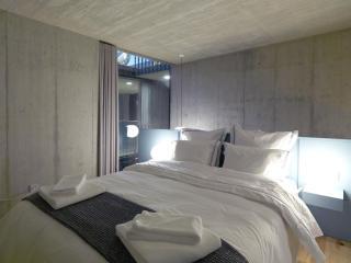 Breiner Panorama IX apartment in Cedofeita with WiFi & shared terrace.
