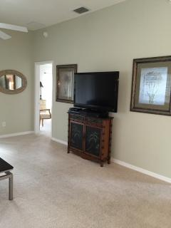 Large TV, fully furnished, full kitchen