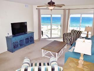 Newly-renovated , beautiful Emerald Isle 2 bedroom - 4th flr w/great views!, Pensacola Beach
