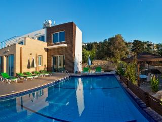 KB401North Cyprus Kyrenia 5 Bedroom Luxury Dublex