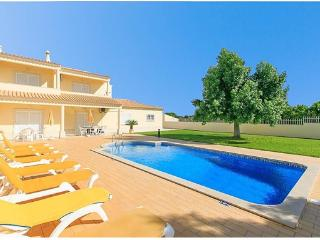 Villa Leila 4 bedroom with private pool, Albufeira