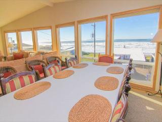 Awaken by the Sea! Panoramic Ocean Views, Steps from Beach, With Hot Tub, Lincoln City