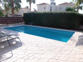 Coral Bay 4 Bed Villa Prime Location Private Pool, Paphos