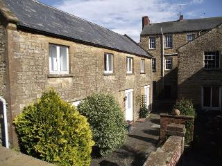 Peaceful cottage hidden off the Market Square, Crewkerne