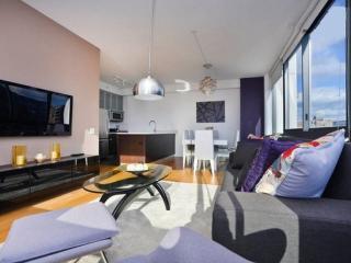 Sleek and Posh 2 Bedroom, 2 Bathroom UWS Apartment With Great Amenities, New York City