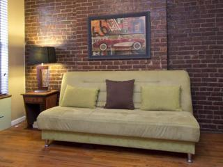 Charming 2 Bedroom, 2 Bathroom Apartment With Exposed Brick Walls, New York City