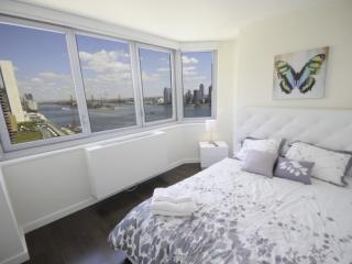 Wonderful 3 Bedroom Apartment in Midtown East - River View, Ciudad de Long Island