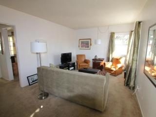 REMARKABLY FURNISHED 1 BEDROOM APARTMENT IN WEST HOLLYWOOD, West Hollywood