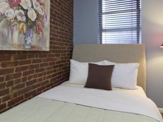 Amazing 2 Bedroom 2 Bathroom Furnished Apartment in New York with Outdoor Patio, Nueva York