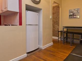 STUNNING 2 BEDROOM 1 BATHROOM APARTMENT, Long Island City