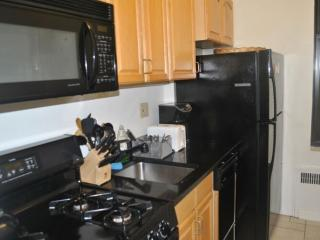 Furnished 2-Bedroom Apartment at Madison Ave & E 39th St New York, Long Island City