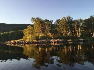 Waterfront Cottage, Surrounded by Splendor, Dingwall