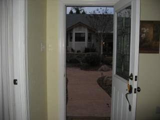 COZY AND WARM 1 BEDROOM COTTAGE IN EL DORADO HILLS, El Dorado Hills
