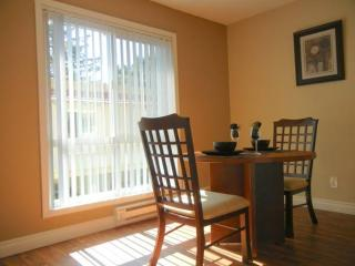 BEAUTIFULLY FURNISHED 2 BEDROOM APARTMENT, Cupertino
