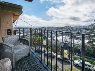 Furnished 3-Bedroom Flat at Lower Terrace & Levant St San Francisco, Forest Knolls