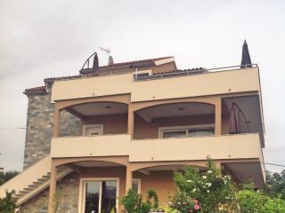 Villa Pupa with indoor jacuzzi