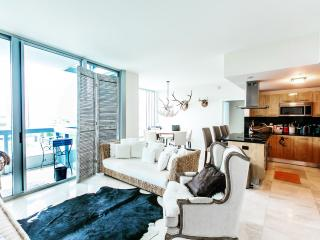 The Assoulin -Luxury Cityview 2 Bedrooms + 2 Bathrooms