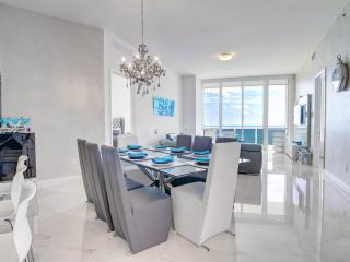 The Charlotte - 3 Bedrooms + 3 Bathrooms, North Miami Beach