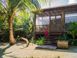 HURACAN DIVE LODGE - BELIZE, Long Caye