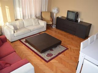 Clean And New , center with Wifi 1, Estambul
