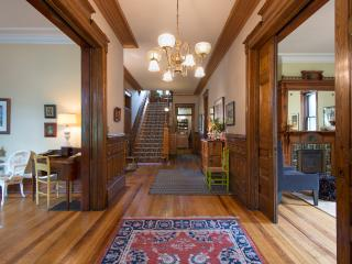 Historic mansion on IrvinePark-extraordinary space, Saint Paul