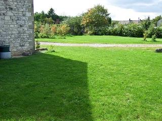 SHORTNER CROFT, single-storey, large enclosed garden, great walking and cycling, in Biggin, Ref 931808, Biggin-by-Hartington