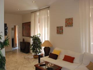 GREAT APARTAMENT 100 metros Cathedral. 6 persons